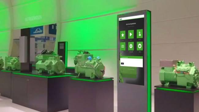 Touch-Stele mit Informationen als Kiosk