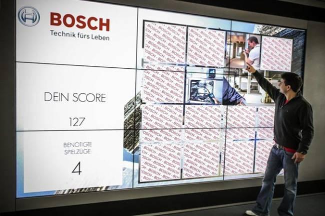 Interaktive Touch-Wall mit Memory-Game fuer Messe und Event