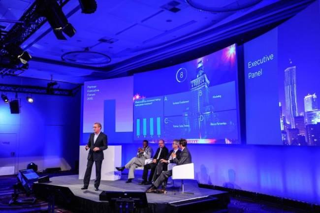 Spannender Vortrag wird gehalten bei einem NetApp Event in Warschau.